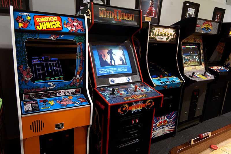 mortal kombat บนเครื่องเล่นเกมส์ arcade